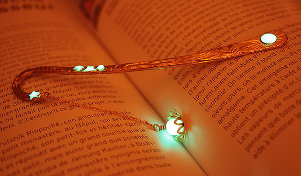 glow-in-the-dark-bookmarks-manon-richard-29