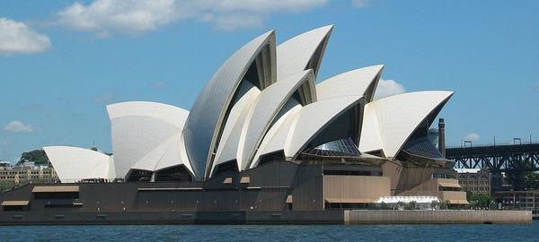 1024px-SydneyOperaHouse