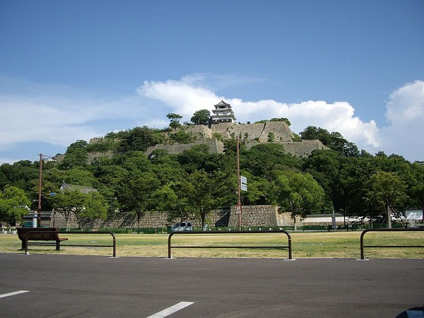 800px-Marugame_Castle01