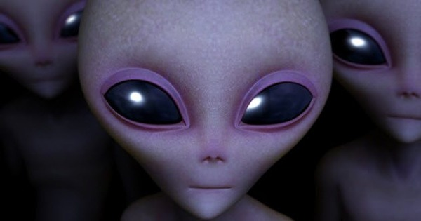 feature-1-aliens-153952911
