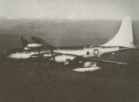 53年後の世界に飛行して来た爆撃機