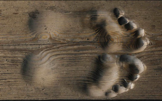 チベット僧の足あと
