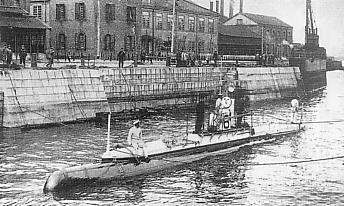 Holland-type_submarine_No6_of_IJN