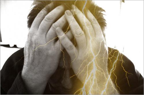 雷鳴頭痛とかいう厨二病な頭痛持ちだけど質問ある?