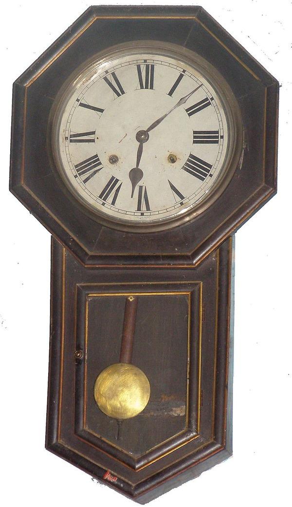 800px-Old_Pendulum_clock