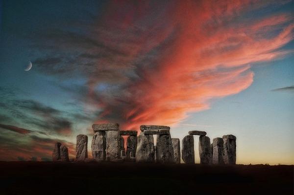 stone-henge-1566686_640