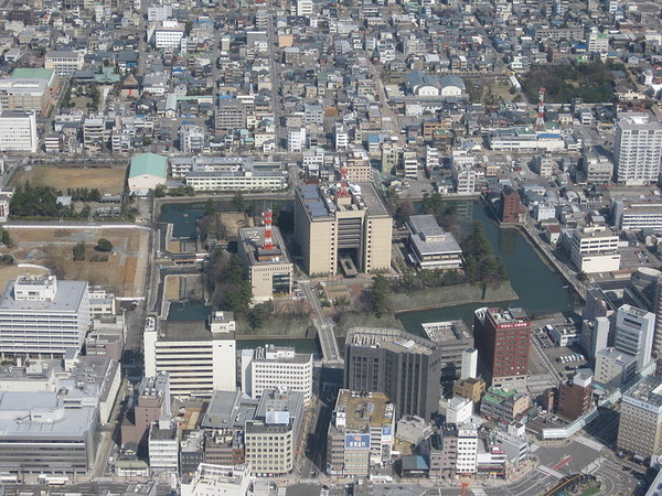 Fukui_prefectural_office_sky