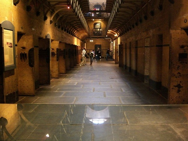 1280px-Old_Melbourne_Gaol_(214923673)_retouched