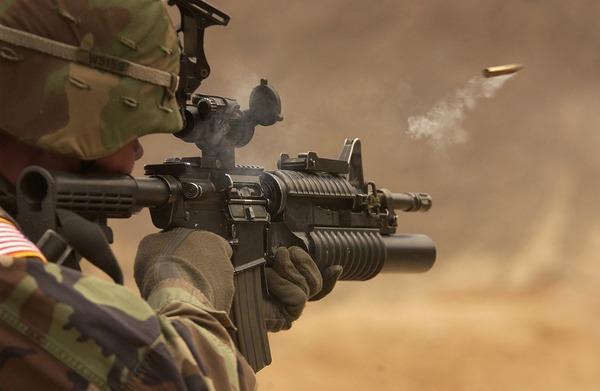 submachine-gun-62902_960_720