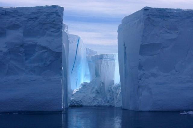 【画像】氷山、ヤバすぎるwwwwwwwwww