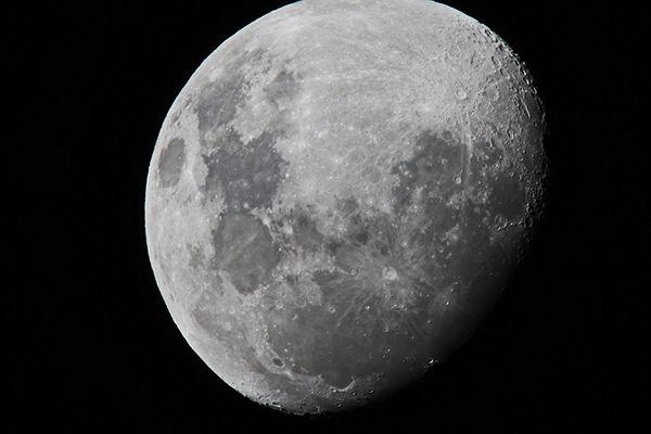 【月科学】月形成の「巨大衝突説」、独チームが新たな証拠発見
