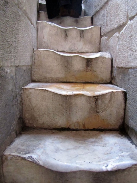 ピサの斜塔の階段1