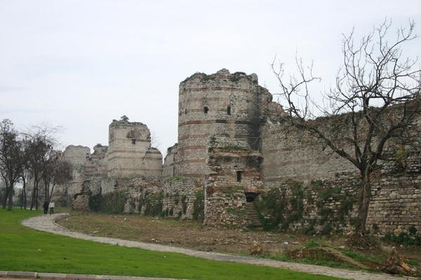 TheodosiusWallsConstantinople