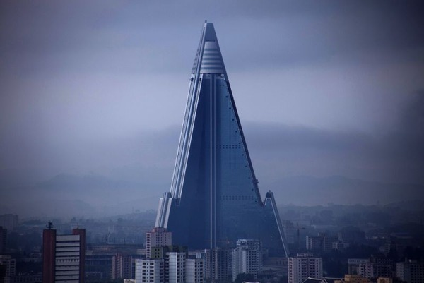 Ryugyong-Hotel-in-Pyongyang-North-Korea