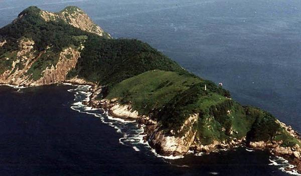 6-snake-island