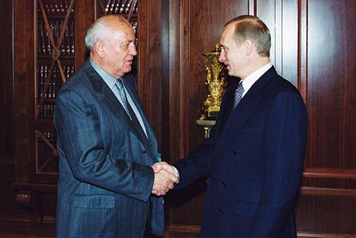 Vladimir_Putin_with_Mikhail_Gorbachev-1 (1)