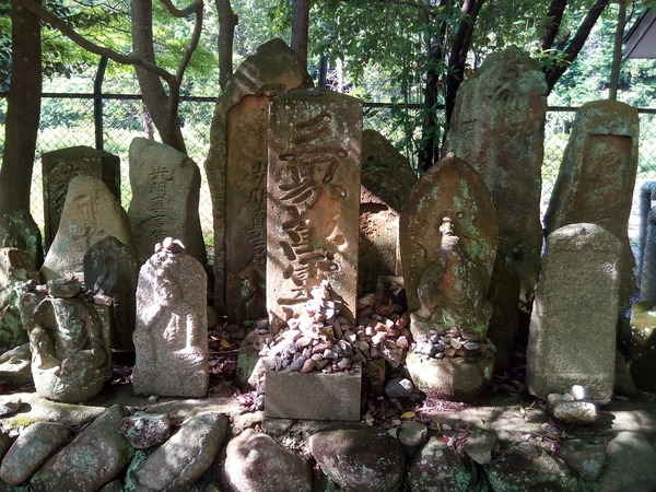 grave-1753739_960_720
