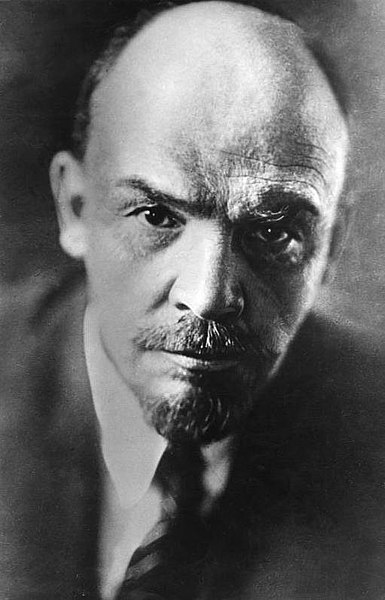 385px-Bundesarchiv_Bild_183-71043-0003_Wladimir_Iljitsch_Lenin