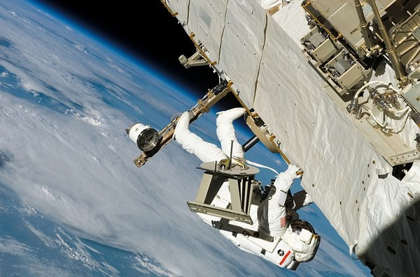astronaut-67693_640