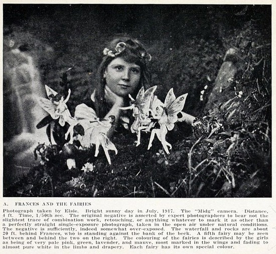 652px-Cottingley_Fairies_1_article