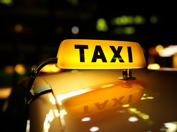 【夏イベント】不思議なタクシーに救われた。実は運転手の正体が・・・【心霊ちょっといい話】