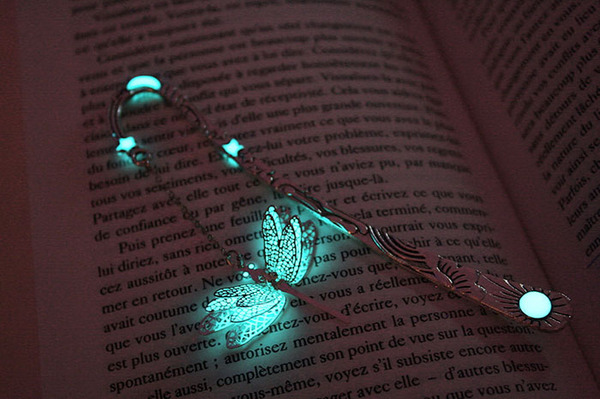 glow-in-the-dark-bookmarks-manon-richard-1