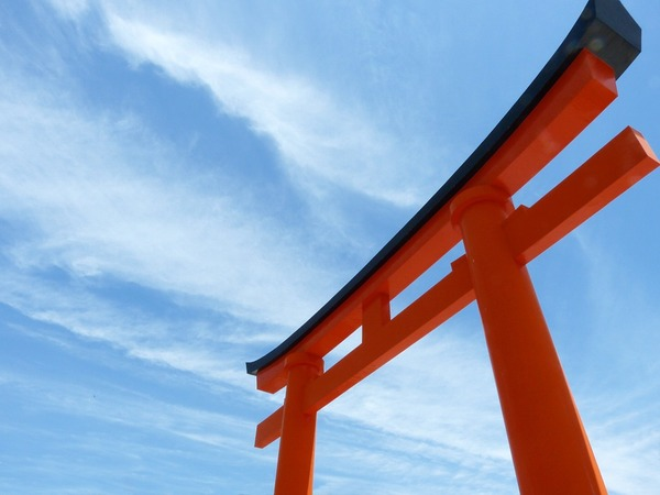 torii-363637_960_720