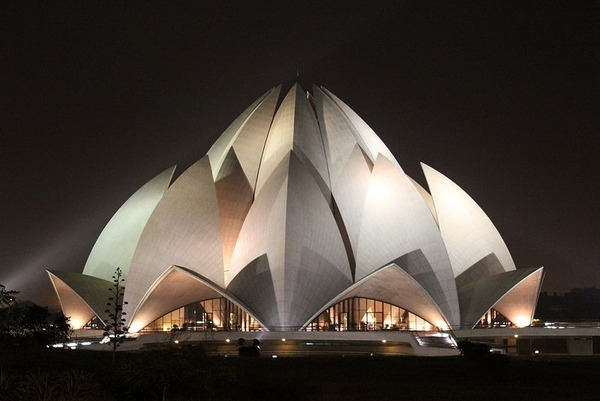 The-Lotus-Temple-in-New-Delhi