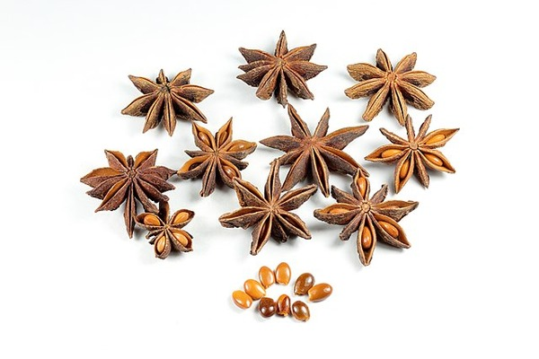 640px-Dried_Star_Anise_Fruit_Seeds