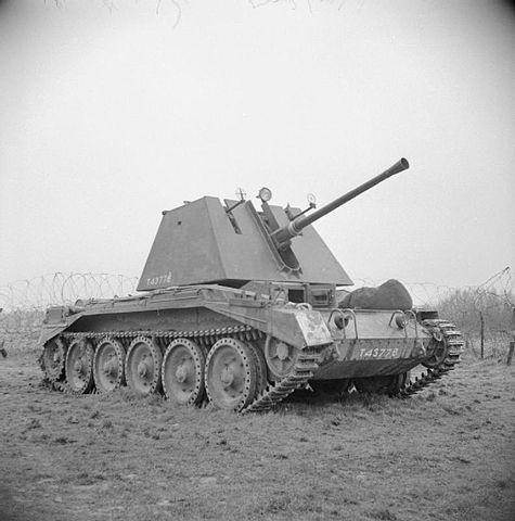 475px-IWM-H-28356-Crusader-AA-19430325