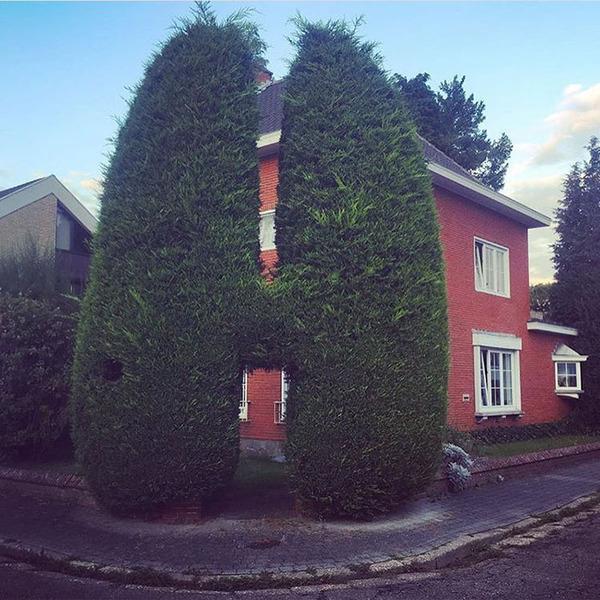 ugly-belgian-houses-59-5cab0a9f89b65__700
