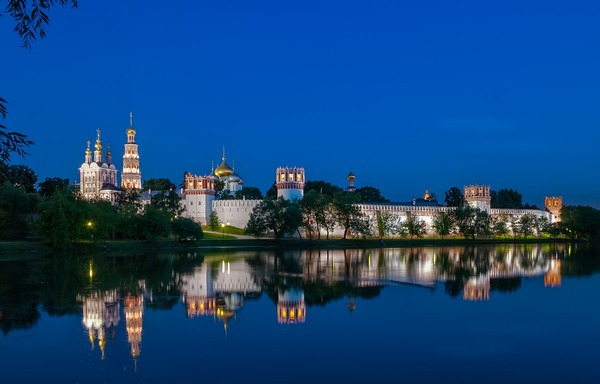 Novodevichy_Convent_Night
