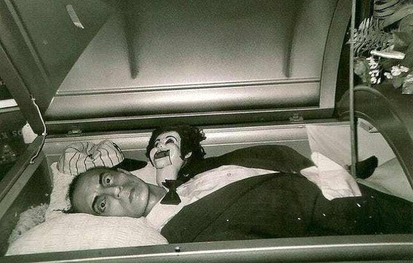 a-man-laid-to-rest-with-his-doll-photo-u1