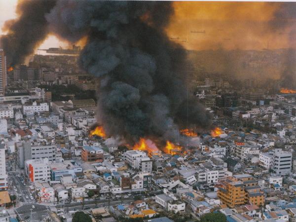 阪神・淡路大震災からきょうで23年、「あの日」を胸に祈り(当時の動画あり)