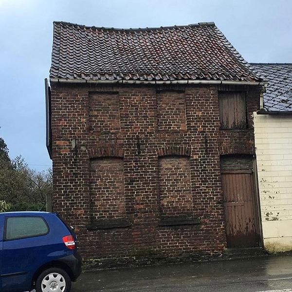 ugly-belgian-houses-68-5cab0ab78f68f__700