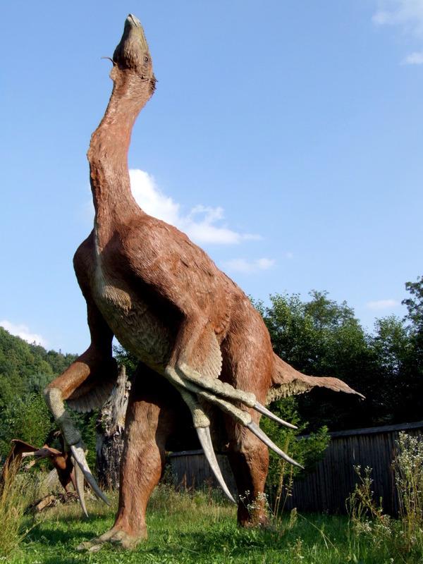 Baltow_JuraPark_therizinosaurus_cheloniformis