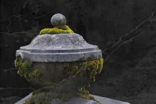stone-urn-431171__340