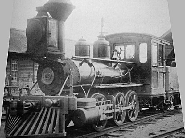 640px-釧路鉄道車輌