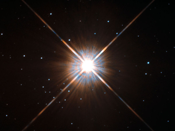 800px-New_shot_of_Proxima_Centauri,_our_nearest_neighbour