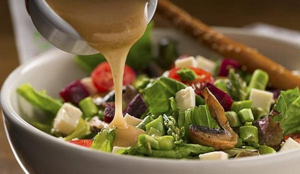 7a-salad-dressing-486456352