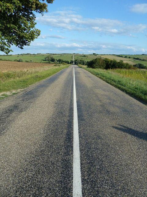 road-448638_640