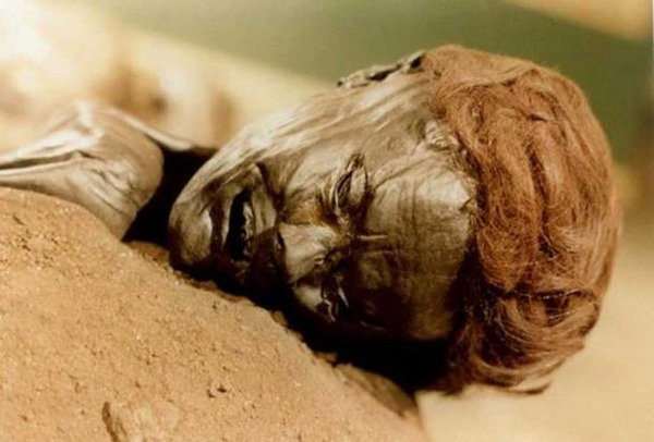 The-face-of-the-bog-body