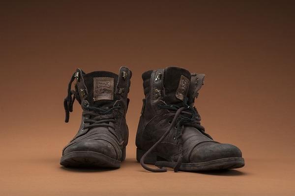 shoes-2074400_640