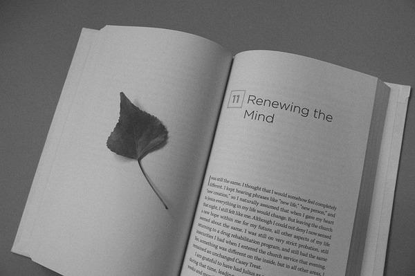 book-912725_640