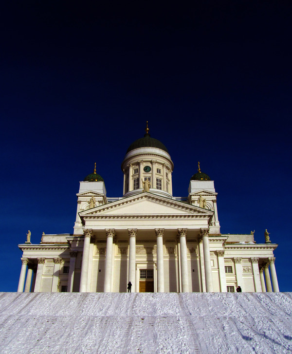 Helsinki_Cathedral_in_winter