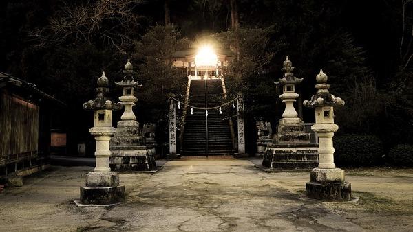 shrine-2379047_960_720
