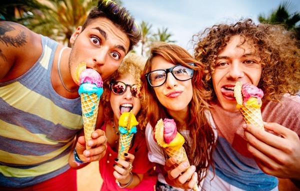 1a-eating-ice-cream-507428735