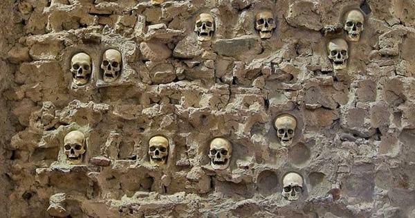 2-skull-tower