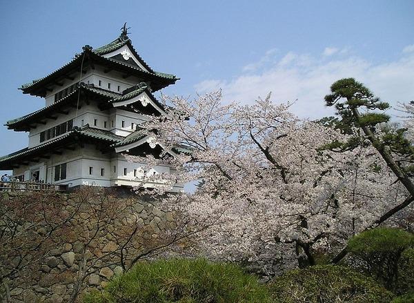 800px-Hirosaki-castle_Aomori_JAPAN