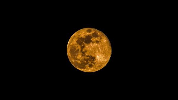 moon-3363995_960_720